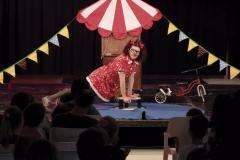 """""""Bambalina i el circ"""", actuació infantil de la companyia Recortable"""
