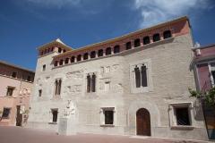 Façana principal del Castell d'Alfara del Patriarca