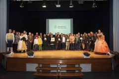 Col·lectius i persones guardonades per la seua tasca de promoció lingüística durant la Gala de la I Setmana de les Lletres de Moncada